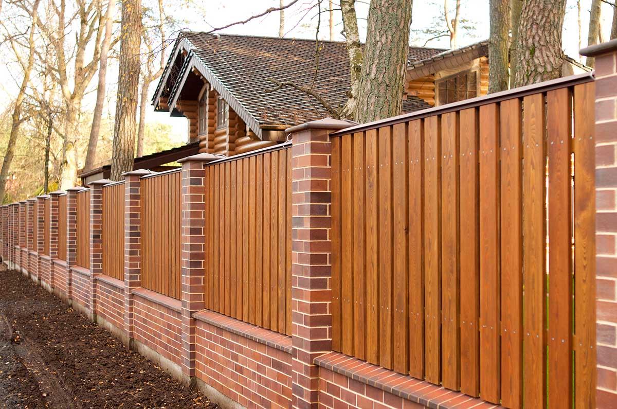 деревянный забор сегодня