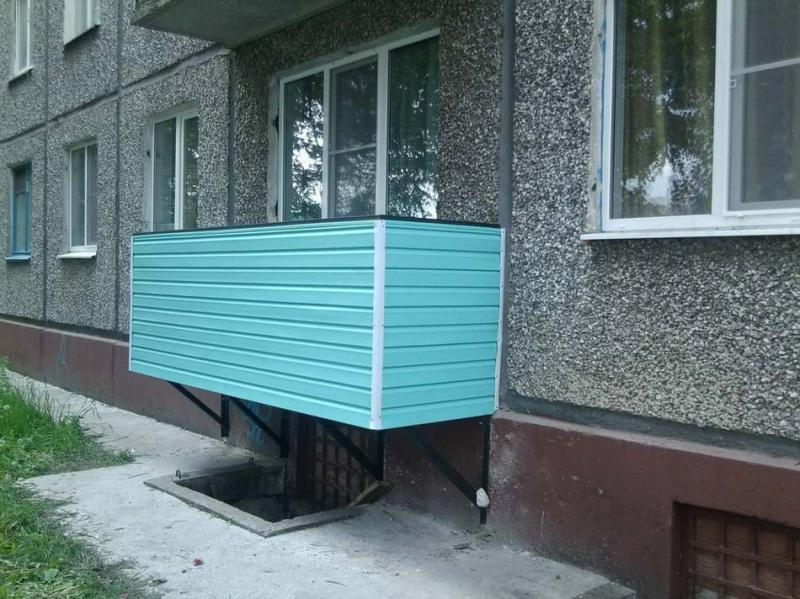 Строим балкон на первом этаже: как сделать это правильно