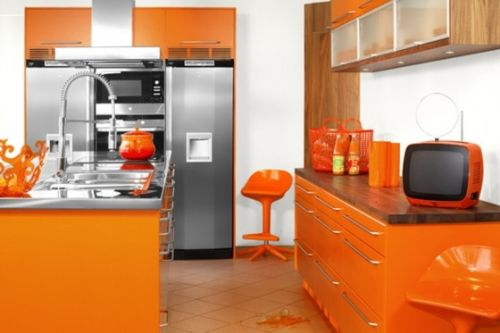 Цветные красочные кухни