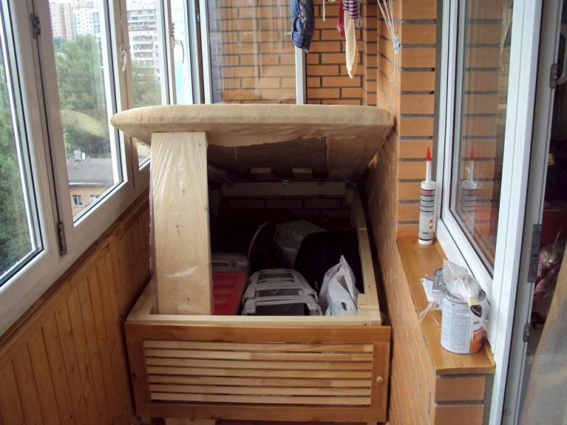 Удобный ящик на балкон своими руками: фото, варианты конструкций