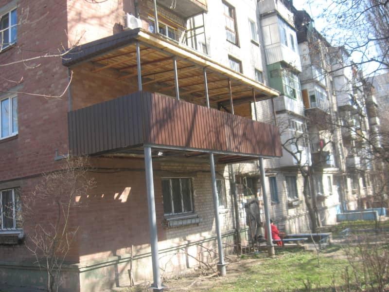 Можно ли сделать балкон, если его нет: все «за» и «против»