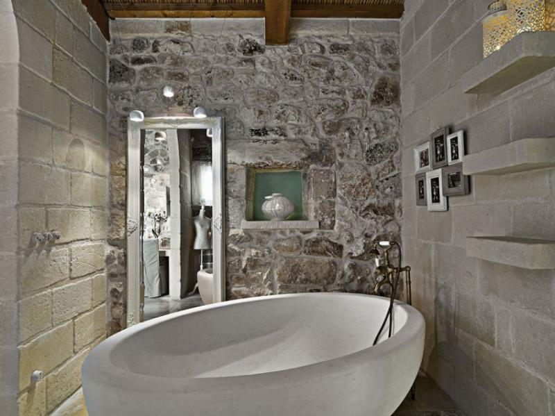 Овальные ванные