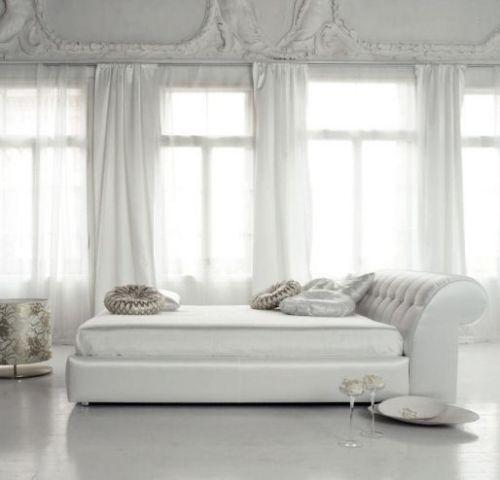 Спальни в белых тонах