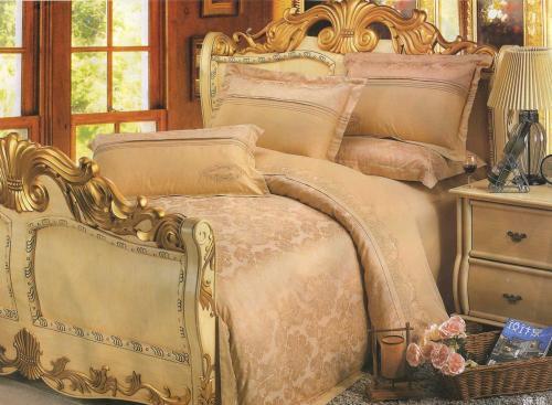 Спальни персикового цвета