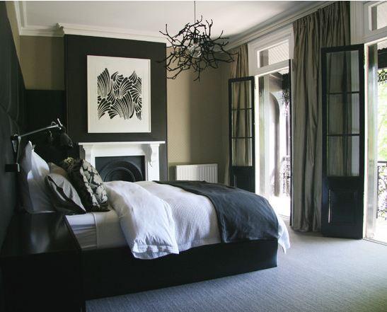 Спальни в черных тонах