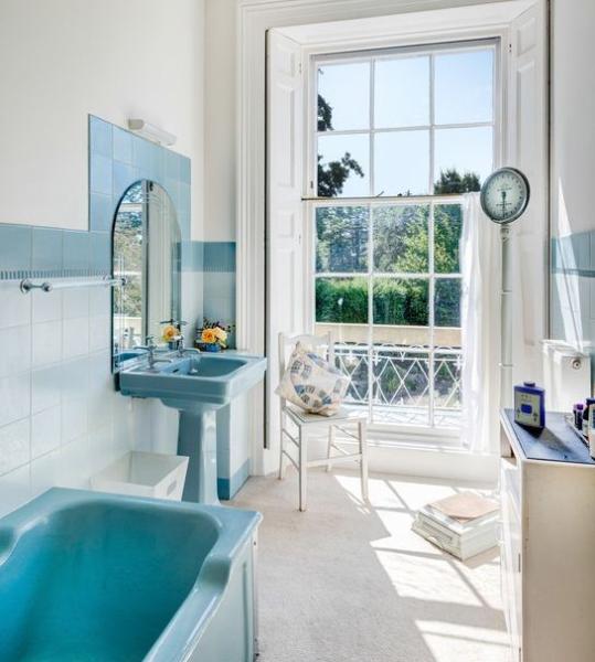 Ванные комнаты в голубых тонах