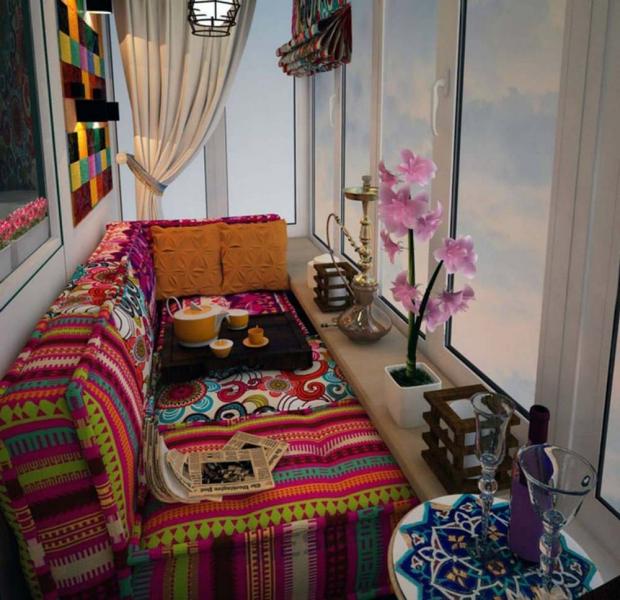 Лаунж зона на балконе: место отдыха, не выходя из квартиры