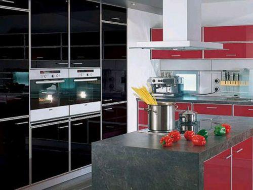 Черно-красная кухня