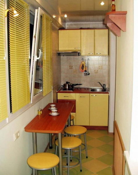 Маленький балкон: дизайн и фото