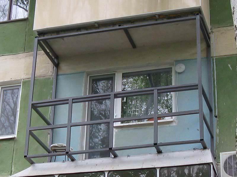 Прочный балкон: металлический каркас и его характеристики
