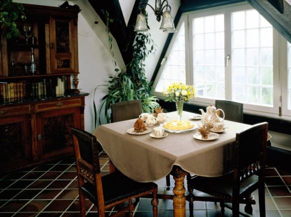 Маленькие и очень симпатичные столовые