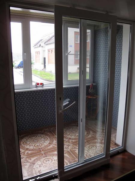 Двери раздвижные на балкон: выбор и установка