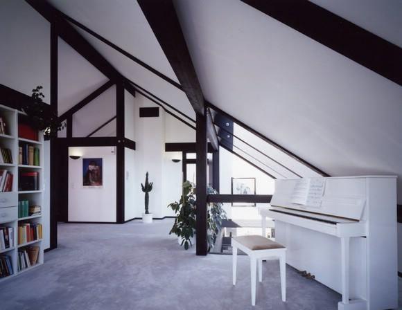 Дизайн интерьера мансарды
