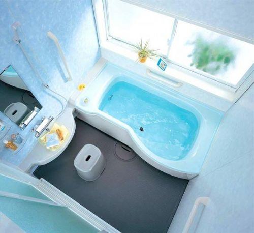 Современная небольшая ванная