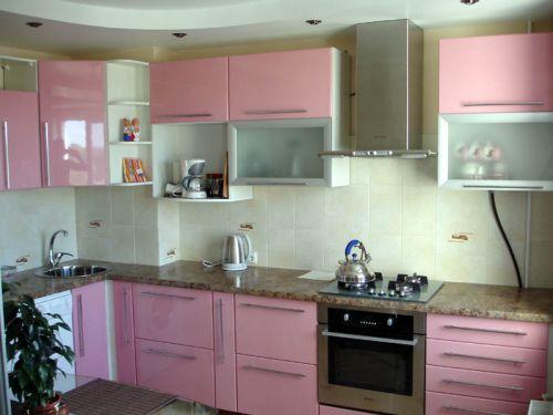 Розовые кухни